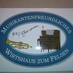 Eckiges Schild Musikantenfreundliches Wirtshaus